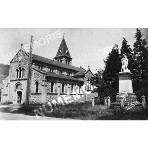 les belles alpes françaises 3- Chirens (Isère) l'église et le monument aux morts