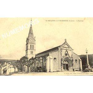 St-Geoire-en-Valdaine (Isère) l'église