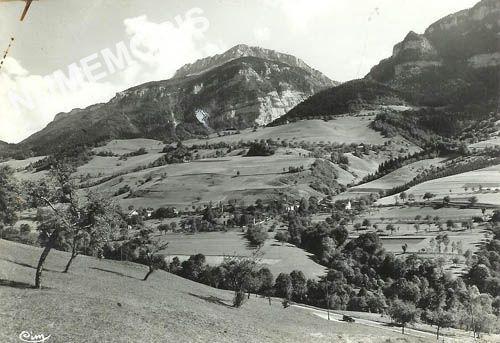 village de Pommiers la Placette