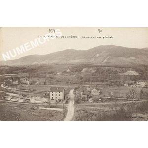 La Ravignhouse (Isère) La gare et vue générale