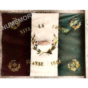 conscrits de Chirens drapeau de 1951