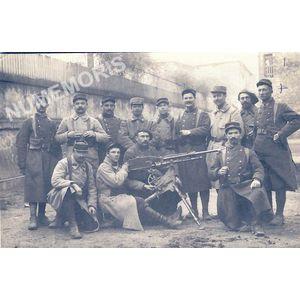une troupe avec un habitant de Coublevie en 1914