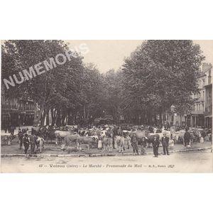 049 Voiron (Isère) le marché promenade du Mail