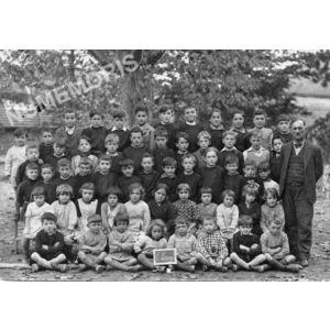 Chirens école en 1940 (ou 37-38 ?) petits
