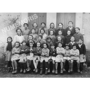 Chirens école en 1951 ou 1952 filles