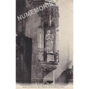 St-Geoire-en-Valdaine (Isère) statue de la Vierge dans l'intérieur de l'église  (Monument hist.)