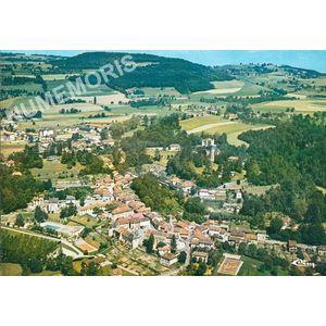 St-Geoire-en-Valdaine (Isère) vue générale aérienne