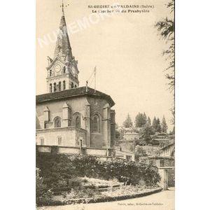 St-Geoire-en-Valdaine (Isère) le Clocher vu du Presbytère