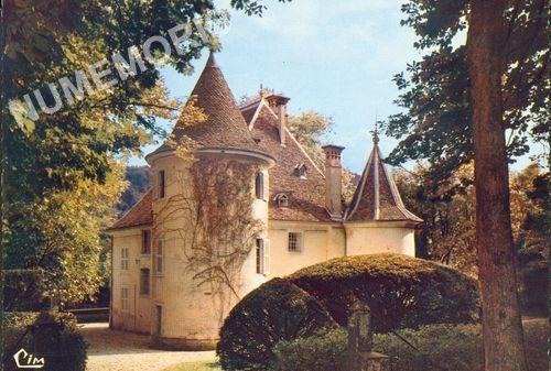Saint Geoire en Valdaine châteaux