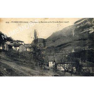 2595 - Pommiers (Isère) hameau des Barniers et la Grande Sure (1924m)
