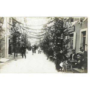 Voreppe juin 1909 grand rue décorée