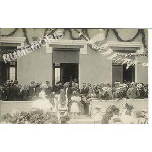 Inauguration école de filles du Chevalon juin 1909 - remise du bouquet