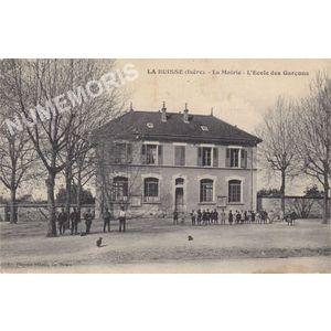 La Buisse (Isère) la mairie école des garçons