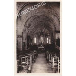 011 St-Geoire-en-Valdaine intérieur de l'église monument historique (XIIeme siècle)