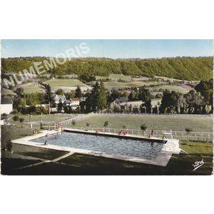 6504 Saint-Geoire-en-Valdaine (Isère) la piscine et le stade municipal
