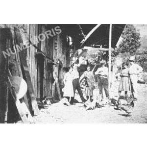 Pommiers la Placette : ferme en 1930