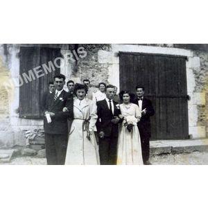 Pommiers la Placette : troupe de théâtre en 1951