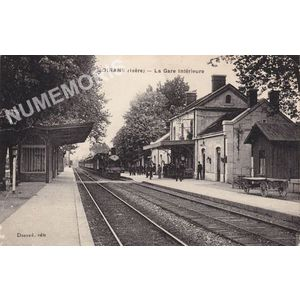 Moirans (Isère) la gare intérieure