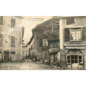 049 Tullins pittoresque place et rue de la halle