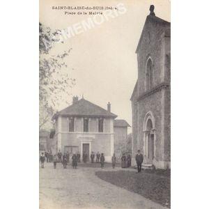 Saint-Blaise-du-Buis (Isère) place de la mairie