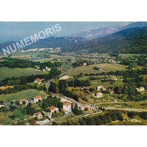 Coublevie (Isère) la Croix Bayard au fond, St-Etienne-de-Crossey et massif de la Chartreuse