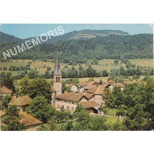 I 524 Saint-Aupres le bas (Isère) centre du village