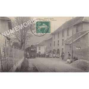 Saint-Bueil 12 arrivée du tramway