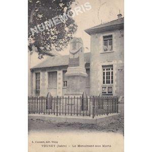 Vourey (Isère) le monument aux morts