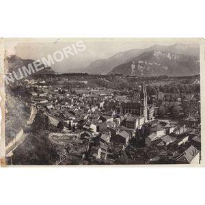 601 VOIRON (Isère) Vue générale. Vue sur le Vercors