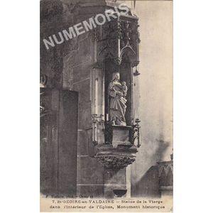 007 St-Geoire-en-Valdaine statue de la vierge dans l'intérieur de l'église monument historique