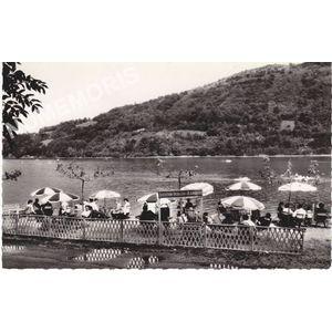 I.21317 Paladru Charavines (Isère) les bords du lac un jour d'été