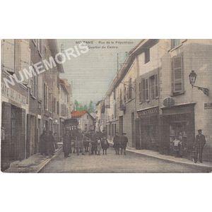 Moirans rue de la République quartier du centre