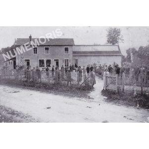 Bilieu : ouvrières de l'usine de tissage vers 1935