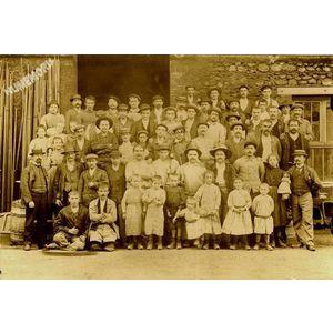 ouvriers d'une scierie avant 1914 ?