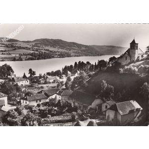 Paladru (Isère) 1 Vue générale et le lac