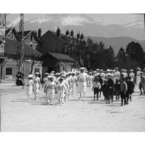 défilé à Voiron avant 1914