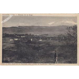 Dans le fond, massif de la Chartreuse avec à droite la Grande-Sure (1924 m.)