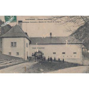 Dauphiné Grande Chartreuse ancienne Correrie Entrée de l'école de laiterie