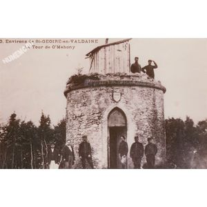 ...0 environs de St-Geoire-en-Valdaine la tour de O'Mahony