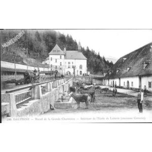 289 Dauphiné Massif de la grande-Chartreuse Intérieur de l'Ecole de laiterie (ancienne Correrie)