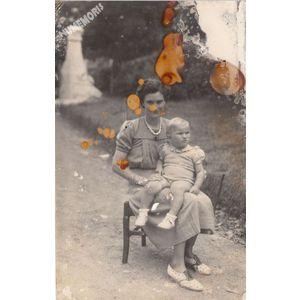 Voissant : carte-photo de famille