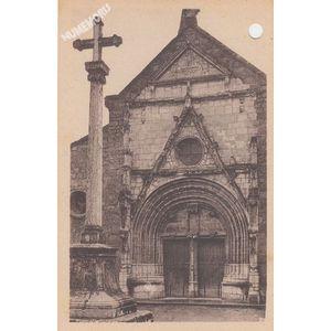 St-Geoire-en-Valdaine (Isère) façade de l'Eglise Monument historique