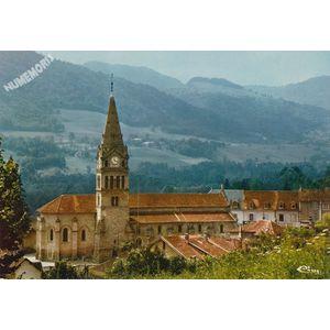 St-Geoire-en-Valdaine (Isère) l'Eglise (Mon. hist.) Abside et pied de la tour (XIe s.)