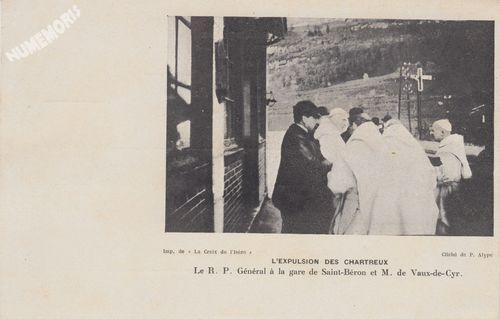 l'expulsion des Chartreux le R. P. Général à la gare de Saint-Béron et M. de vaux-de-Cyr