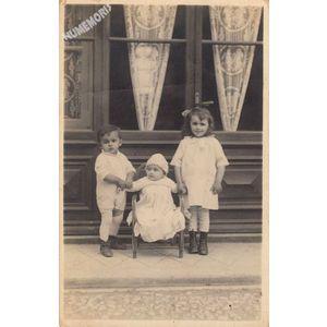 carte-photo d'enfants de Tolvon (St Etienne de Crossey) en 1930