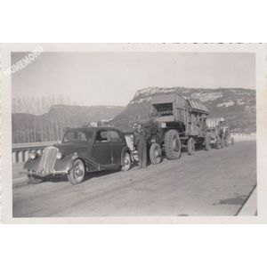 la batteuse de Montferrat au pont de Cordon vers 1950