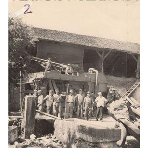 Montferrat : batteuse en 1960