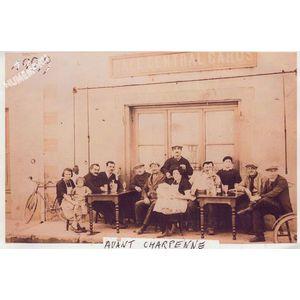 Montferrat : café central en 1929