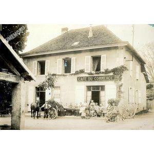 Montferrat : café du commmerce en 1913