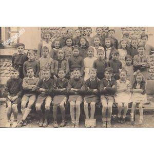 école de Montferrat en 1946